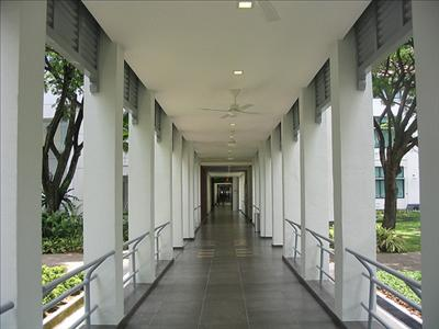 Central Corridor of the Hospital - Singapore General Hospital - 新加坡综合医院